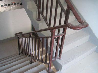 仿木纹静电喷涂楼梯扶手